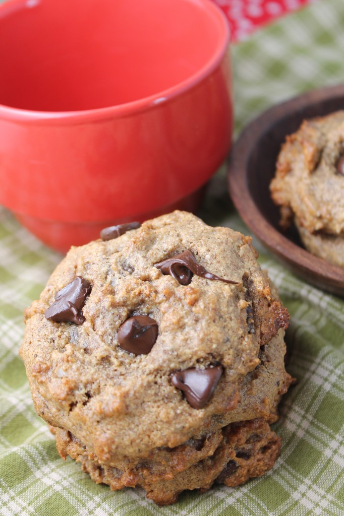 Flourless Date Sweetened vegan Chocolate Chip Cookies