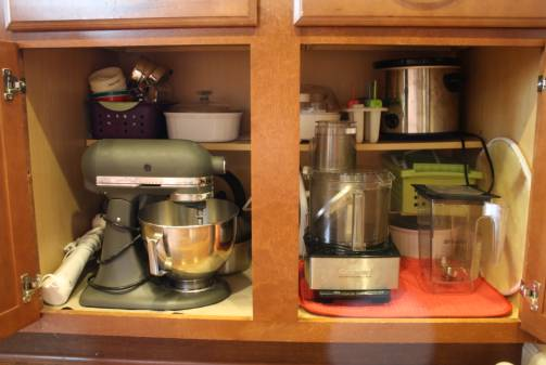 a whole foods/allergy friendly kitchen tour w/ organizing tips