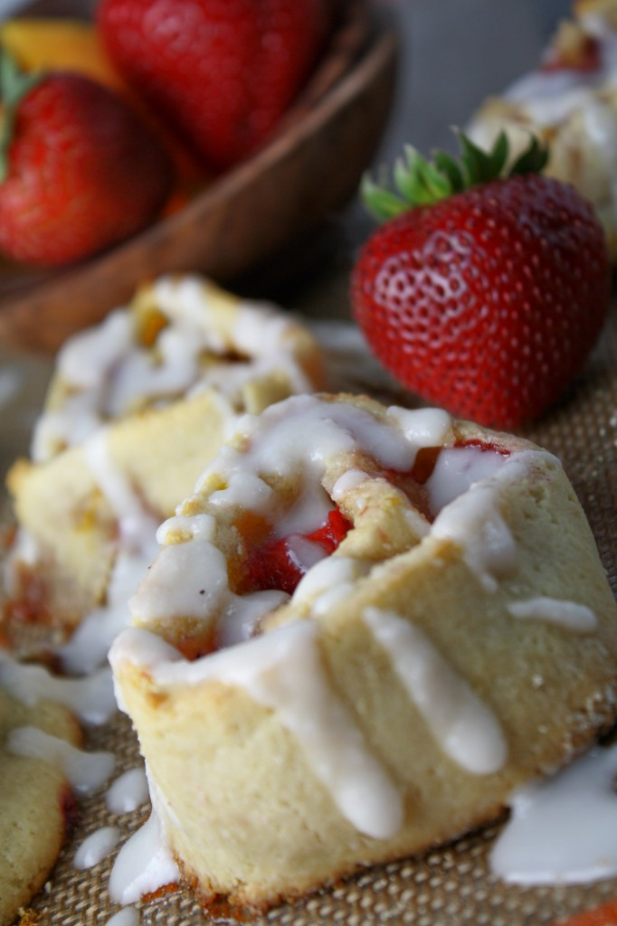 Grain Free Strawberry-Orange Breakfast Rolls