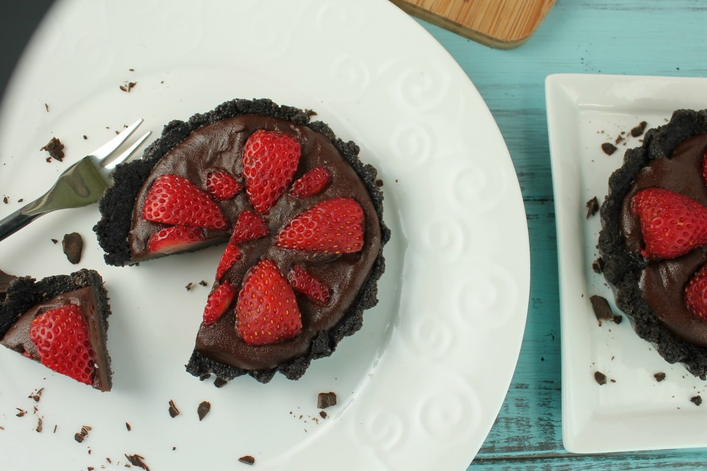 Fresh Strawberry Pie in a Chocolate Cookie Crust - Gluten Free & Vegan