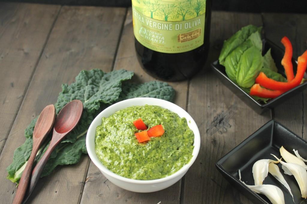 Vegan Kale Pesto #paleo #vegan #keto #whole30 #pesto #glutenfree