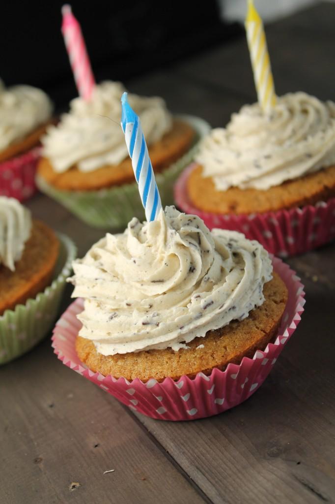 Moist Gluten Free & Vegan Vanilla Cupcakes