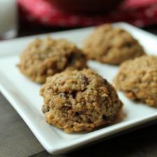 Oatmeal Raisin Cookies – Gluten Free, Vegan, & Ultra Moist!