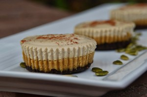 Paleo Pumpkin Cheesecake w/ Vanilla Creme Topping