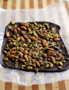 Paleo Easy-almond-and-pistachio-bark