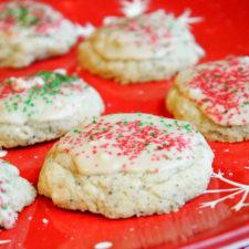 Gluten Free - Vegan Sugar Cookies #glutenfree #vegan #suagrcookies #christmascookies