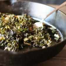 Sauteed Kale w Caramelized Onions - #glutenfree #vegan #paleo #whole30 #keto