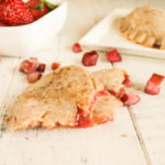 Paleo AIP Strawberry Rhubarb Pies #paleoaip #nutfree #dairyfree #strawberryrhubarb #vegan