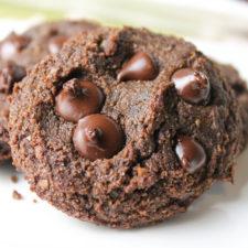 Paleo Double Chocolate Chip Cookies #vegan #paleo #keto #eggfree #dairyfree #cookies #chocolate #glutenfree