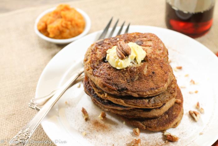 Gluten Free Vegan Pumpkin Pancakes